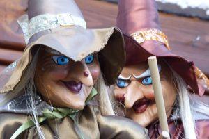 Hexenmasken auf dem Hexentanzplatz bei Thale. © 2014, BU/Foto: Dr. Bernd Kregel