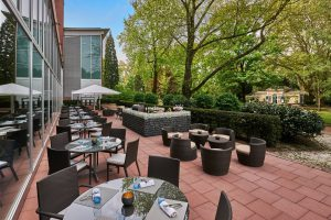 "Die ""Terrace On The Park"" des Hilton Frankfurt City Centre. © Hilton Worldwide"