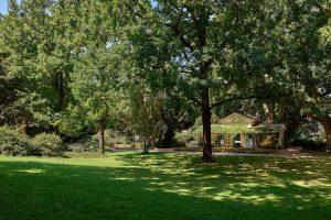 Das Nebiensches Gartenhaus im idyllischen Park vor dem Hilton Frankfurt City Centre. © Hilton Worldwide