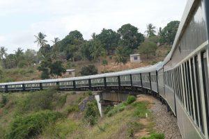 Rovos Rail auf dem Weg nach Dar Es Salaam. © Foto: Bernd Kregel