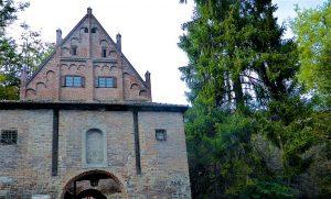 Nur der Einlass, im Jahr 1475 erbaut, bot die Möglichkeit, nach Schließung der Tore in die Stadt zu gelangen. © Foto: Elke Backert