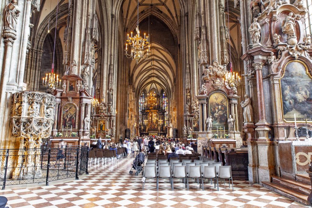 Das prachtvolle Innere der Basilika.